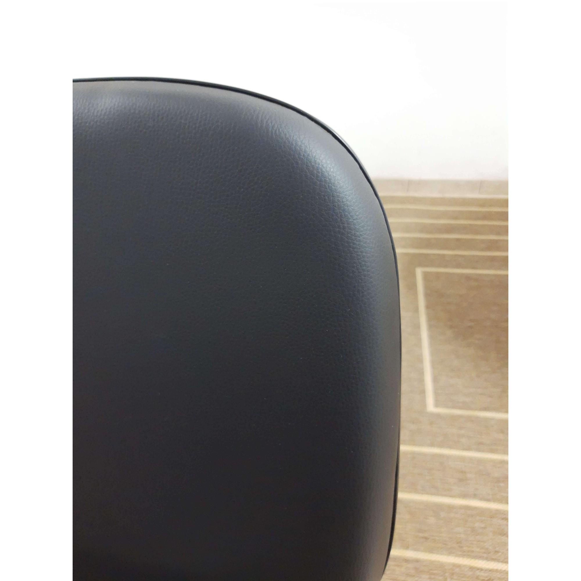 Cadeira Diretor Giratória com Braço Corino