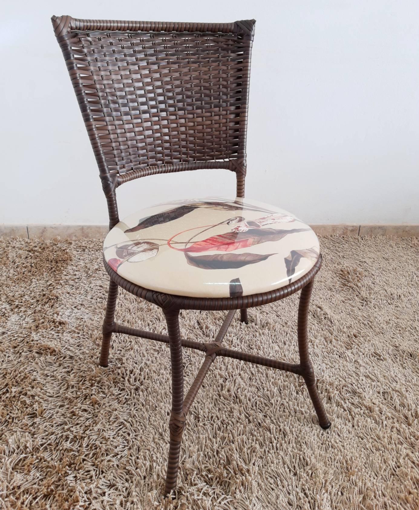 Mesa Redonda 4 Cadeiras Fibra Sintética
