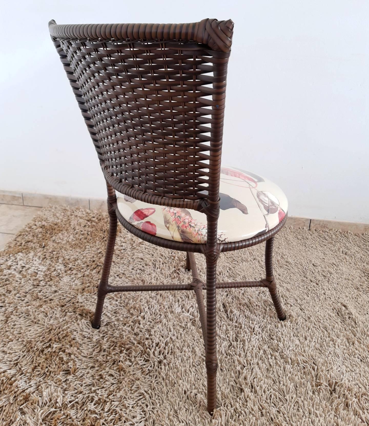 Mesa Redonda 4 Cadeiras Fibra Sintética Artdesign219