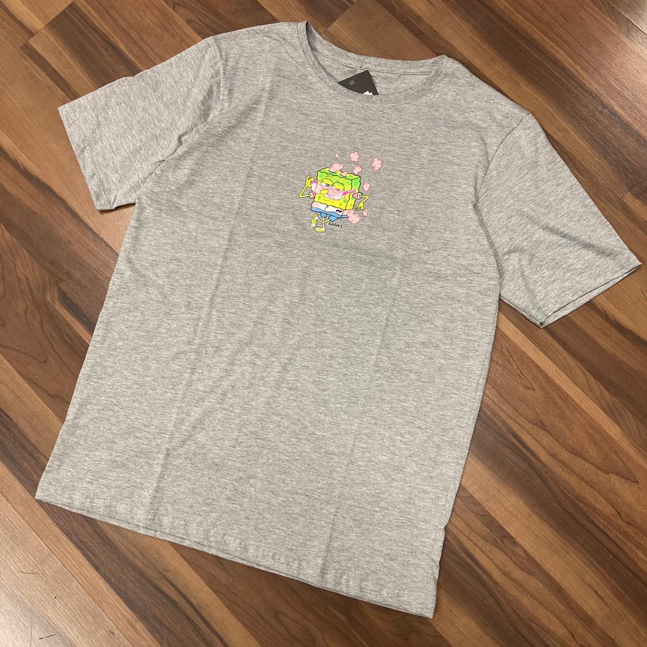 Camiseta banks bob esponja cinza