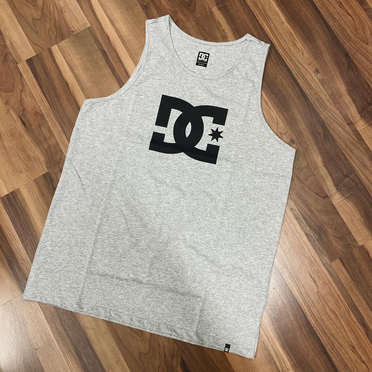 Camiseta regata dc star cinza