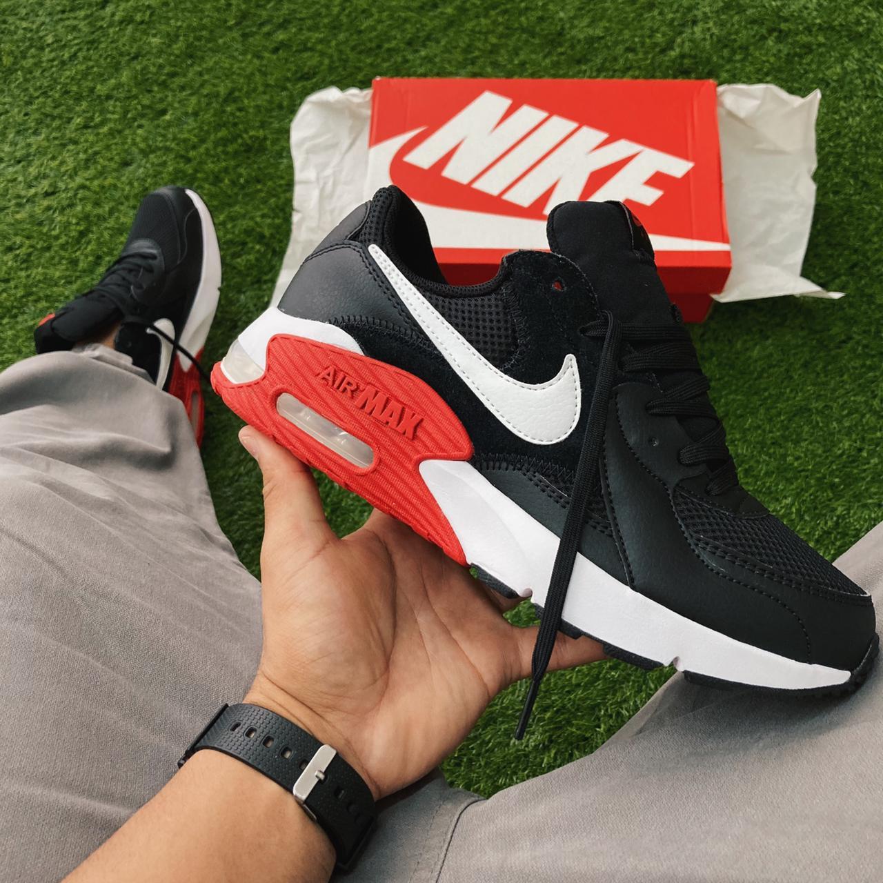 Tênis nike air max excee black/white/red