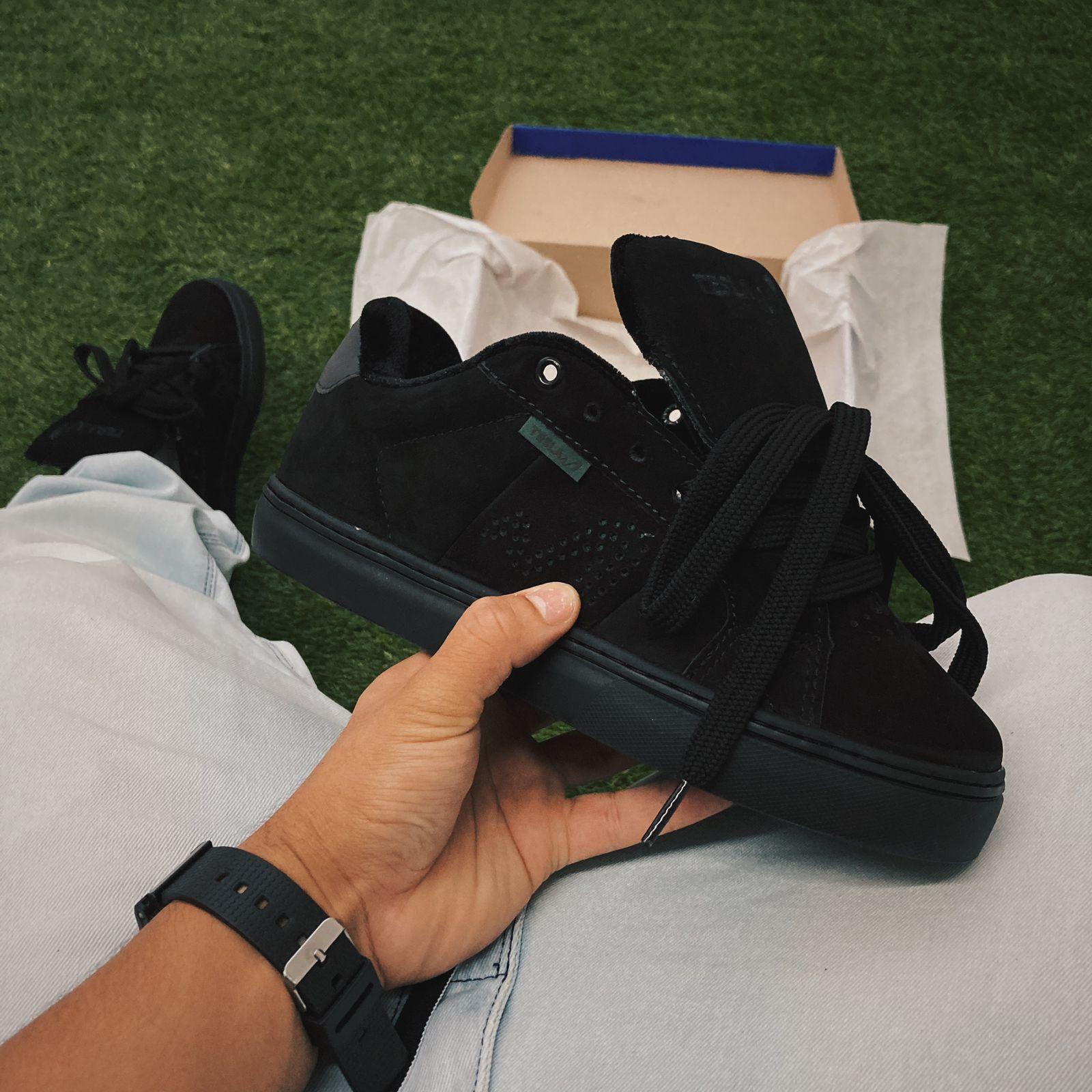 Tênis tesla hertz all black furtacor camurça