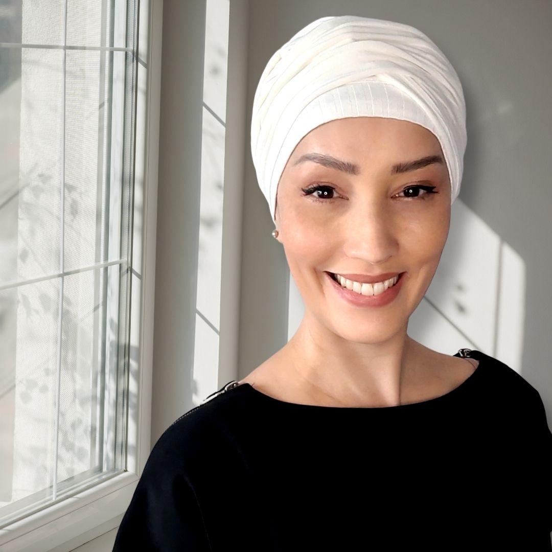 Turbante Feminino com Faixa Canelado Branco Off White Anne