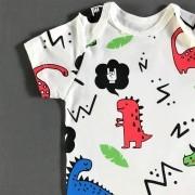 Body Bebê Manga Curta Dinossauro Dino