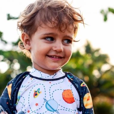 Camisa Infantil Proteção Solar Universo + Sunga