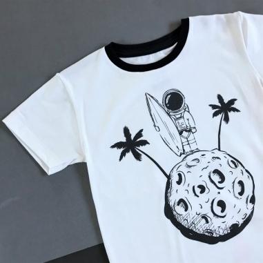 Camiseta Infantil Off White Astronauta