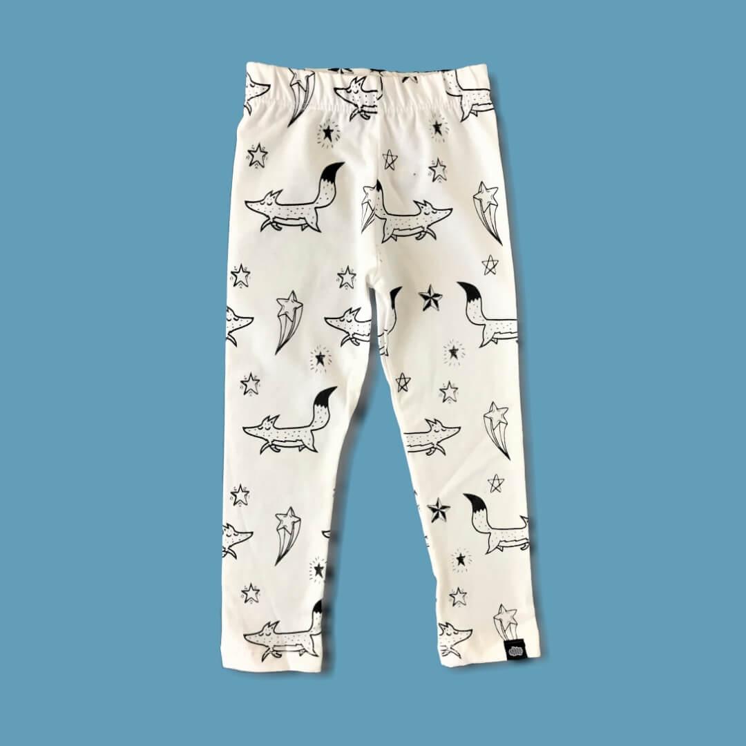 Calça Infantil Legging Unissex Bege Raposinhas nas Estrelas