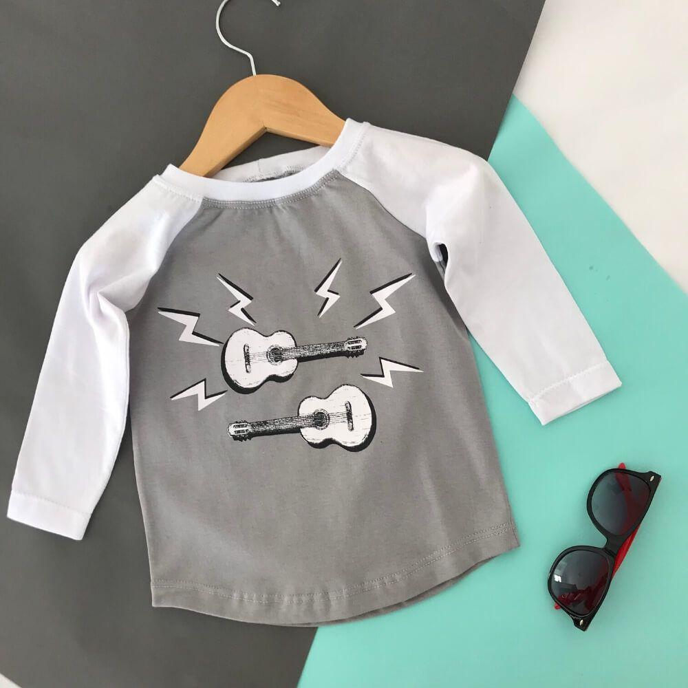 Camiseta Infantil Manga Longa Cinza Play Guitar