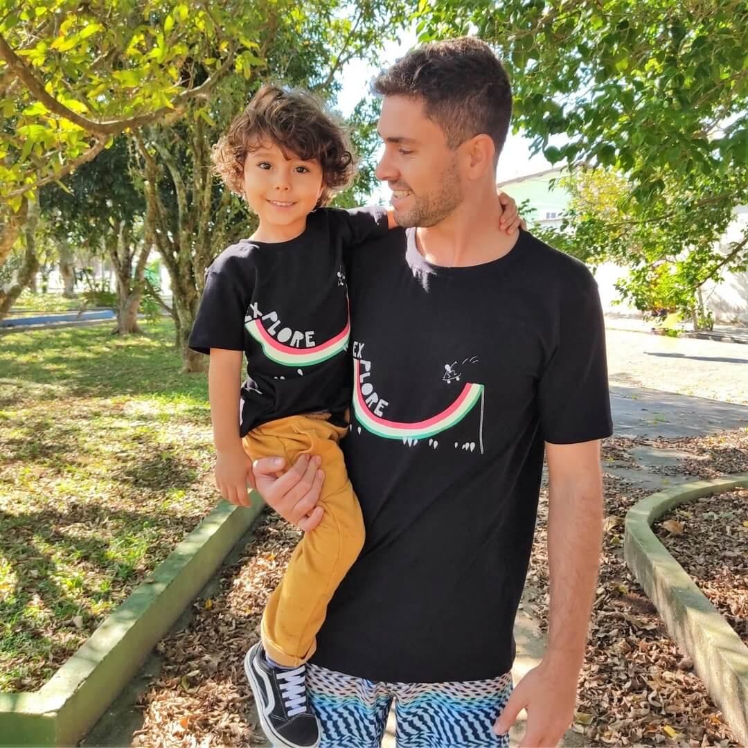 Kit 2 Especial Dia dos Pais 1 Camiseta Adulto + 1 Camiseta Infantil + 3 Azulejos Personalizados