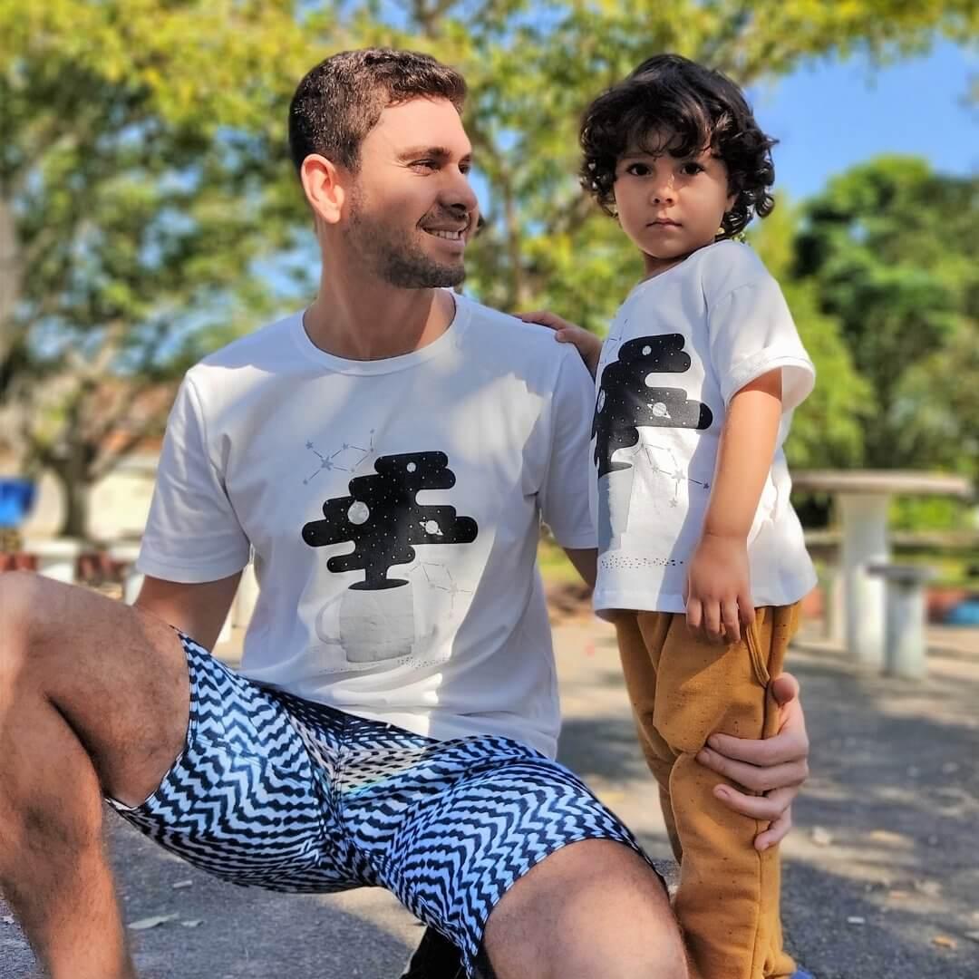 Look Pais e Filhos Camiseta adulto + 1 Camiseta Infantil Unissex