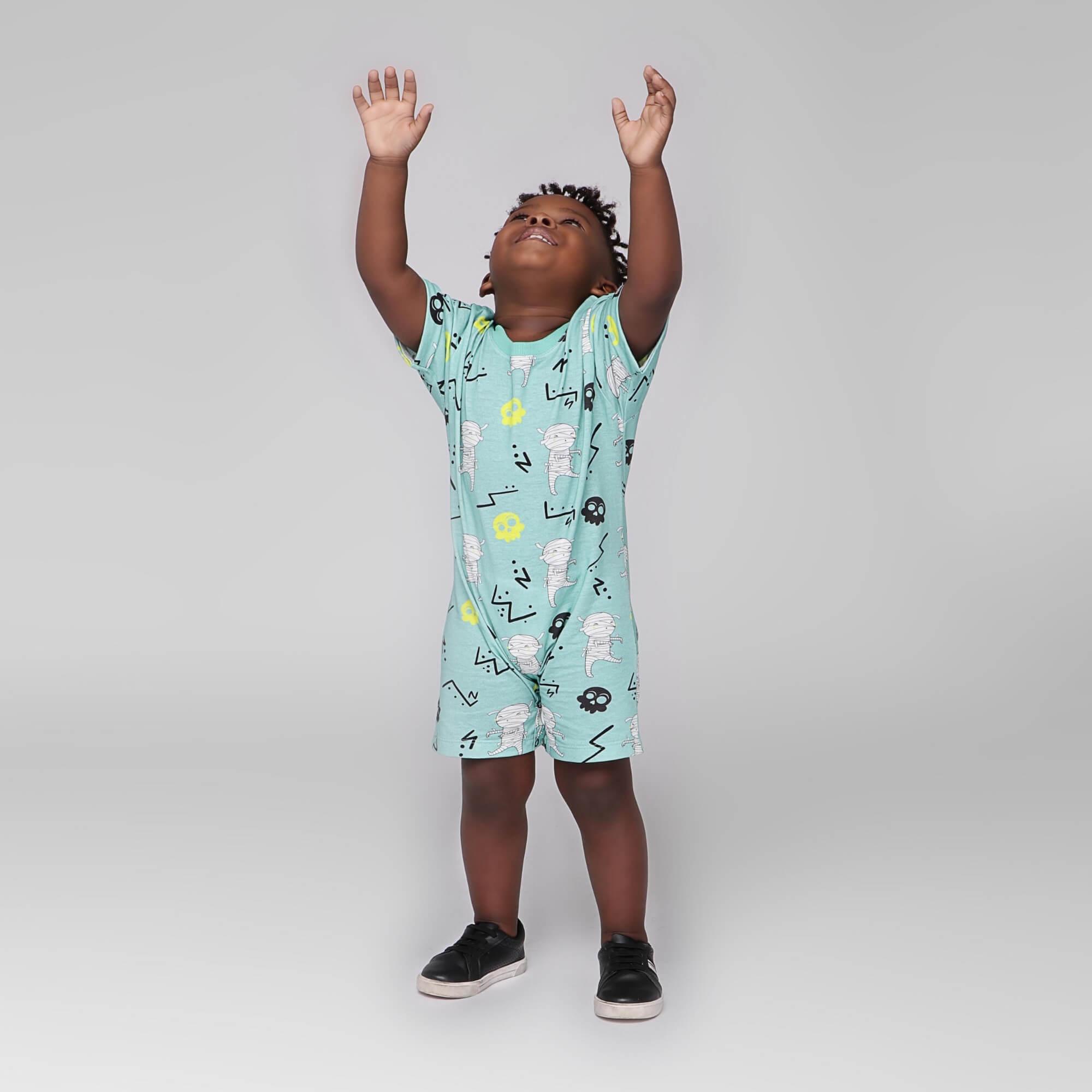 Macacão Infantil Curto Verde Claro Múmias Divertidas