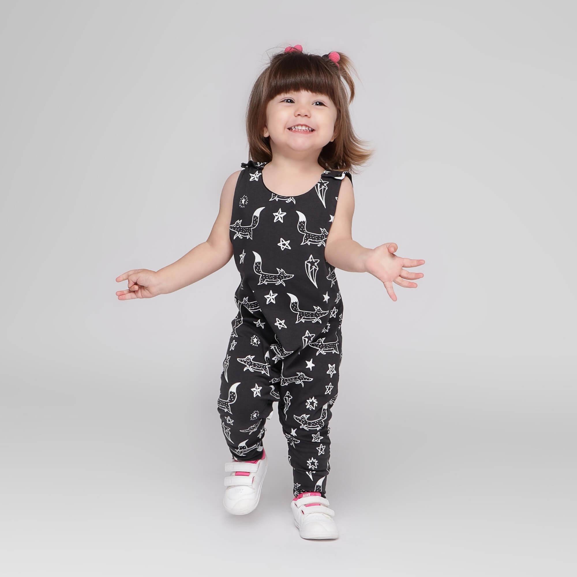 Macacão Infantil Regata Cinza Escuro Brilha no Escuro Raposinhas