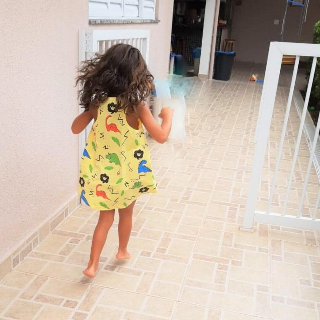 Vestido Infantil Nadador Amarelo Dinossauros