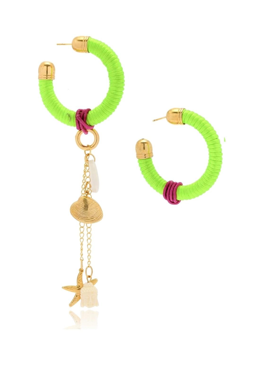 Argola Le Diamond Fios de Seda Verde Florescente com Pingentes