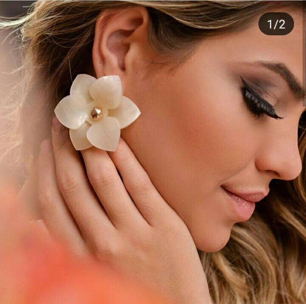 Brinco Le Diamond Camelia Transparente com Glitter Lilás