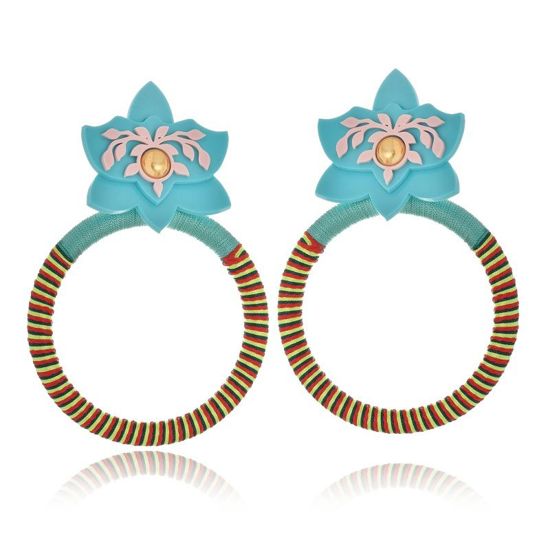 Brinco Le Diamond Orquídea com aro de fios de seda turquesa