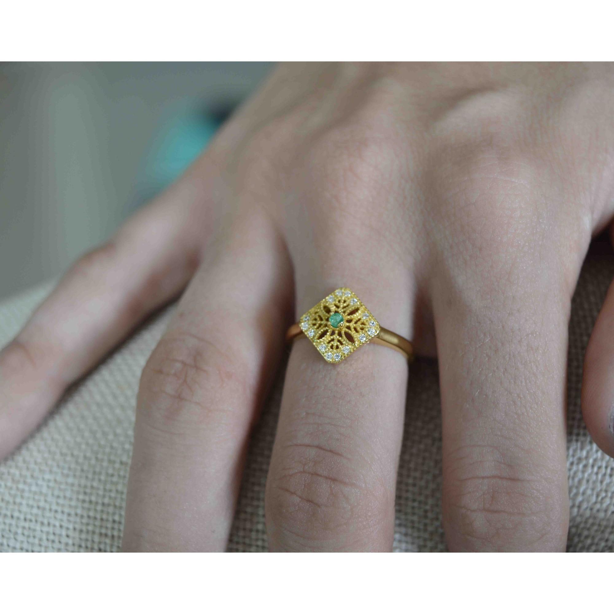 Anel Feminino Prata 925 Banho de Ouro Pedra Natural