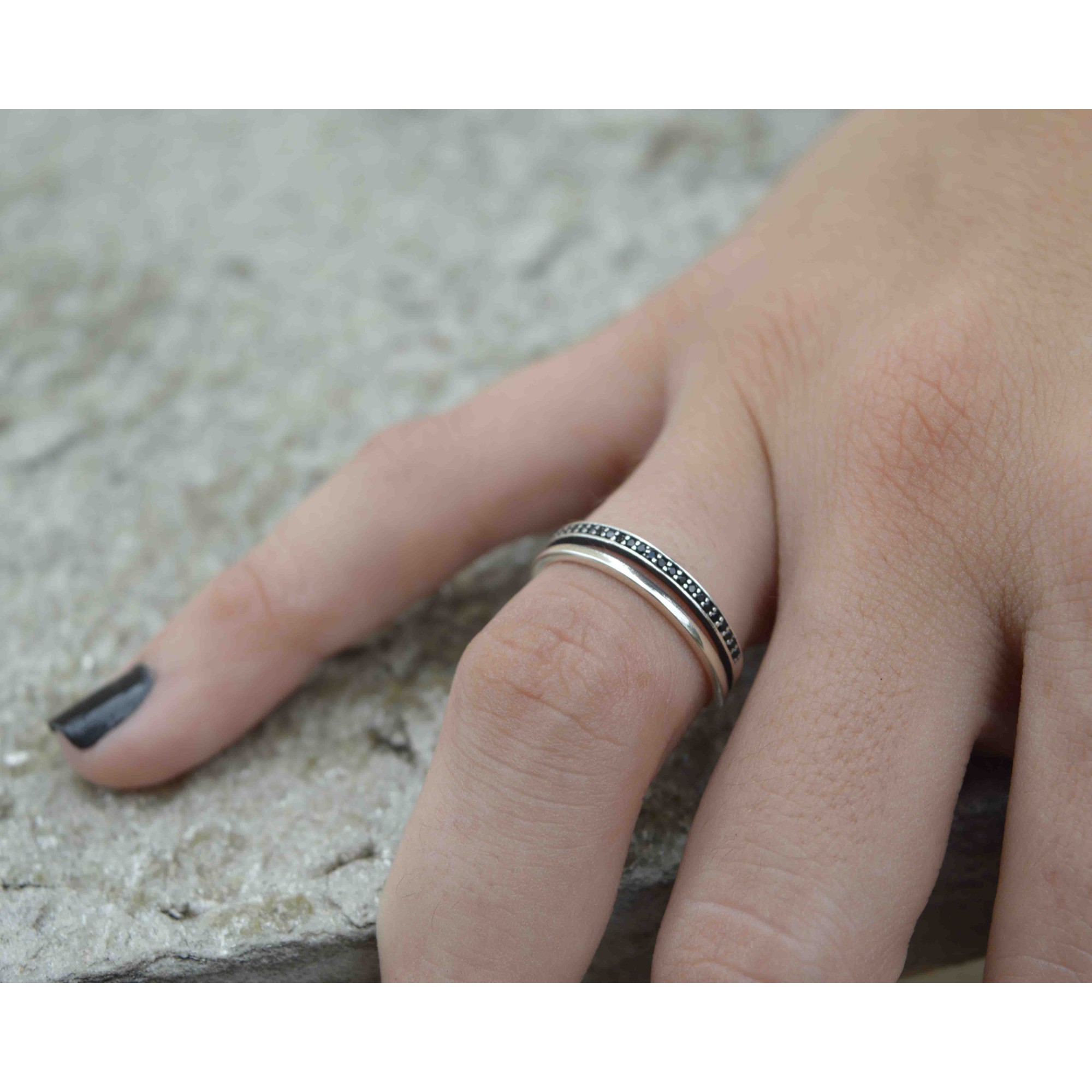 Anel Feminino Prata 925 Zirconias Negras
