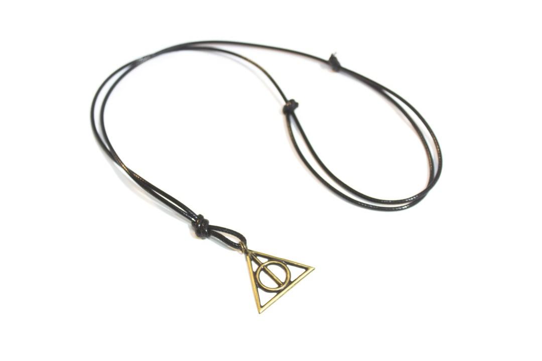 Colar Couro Preto Relíquias da Morte - Harry Potter