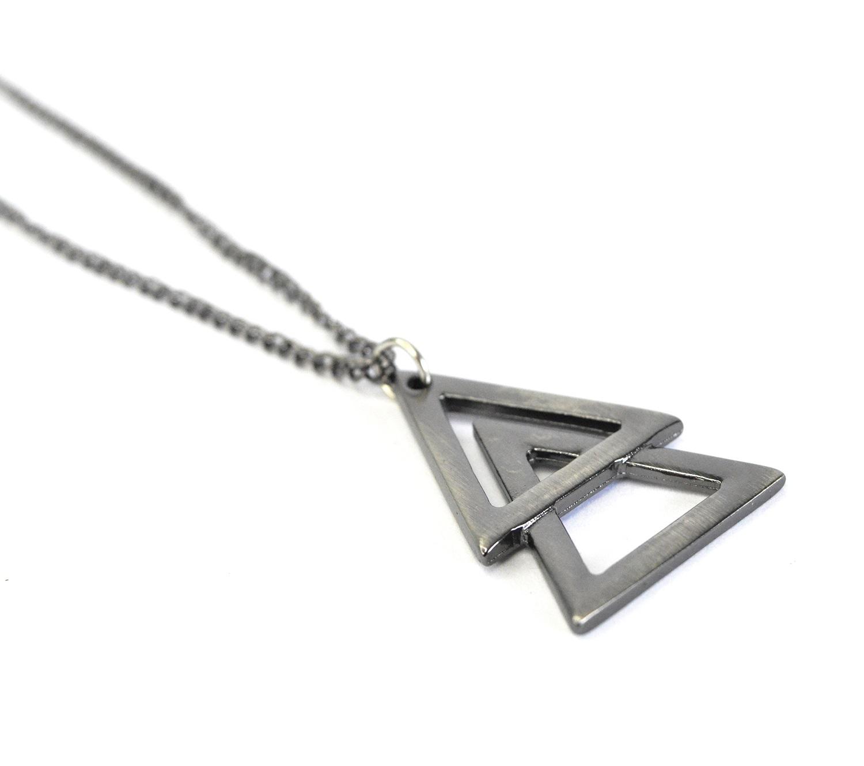 Colar Masculino de Triângulo