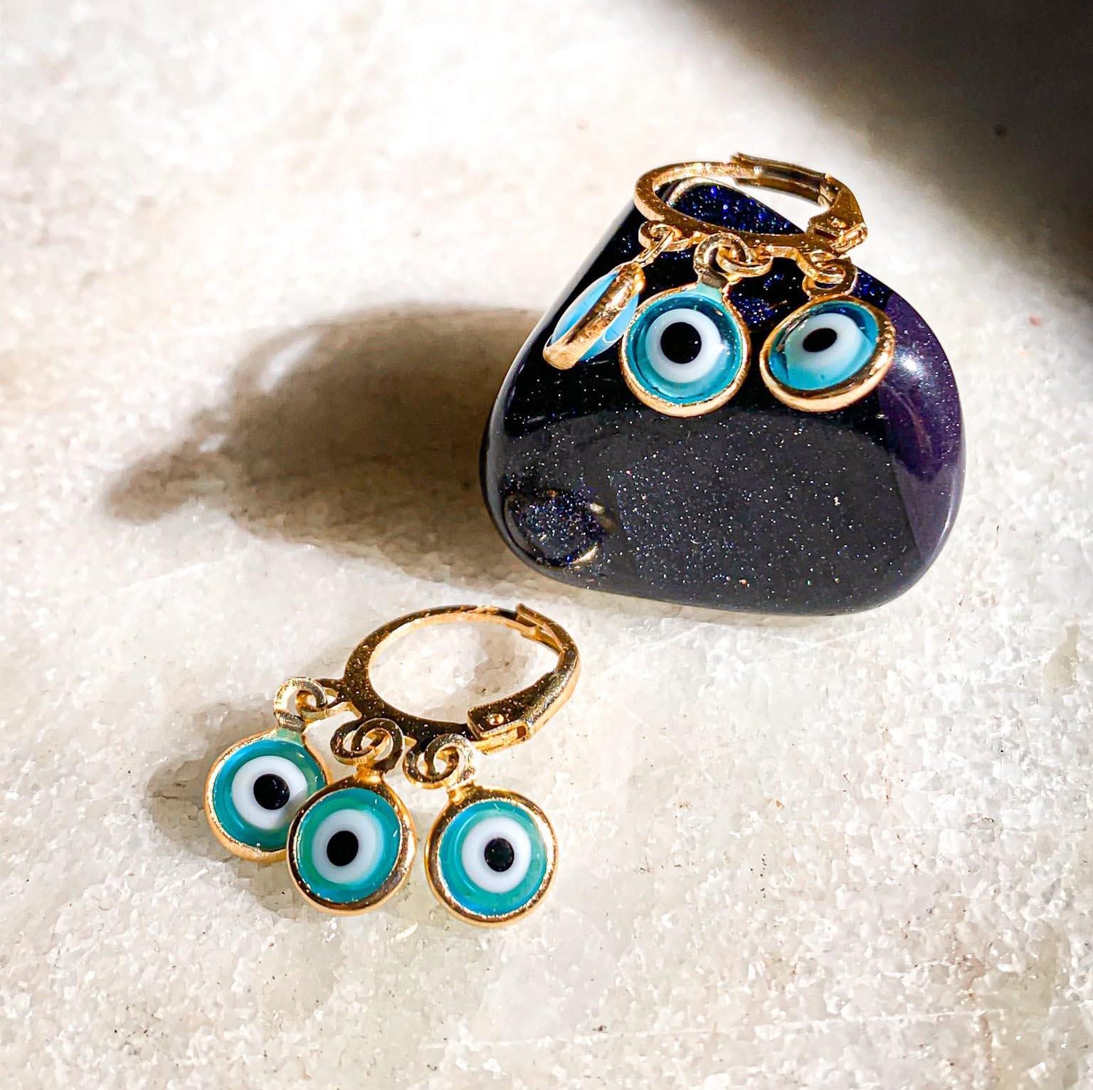Mini Argola Olho grego Azul Claro