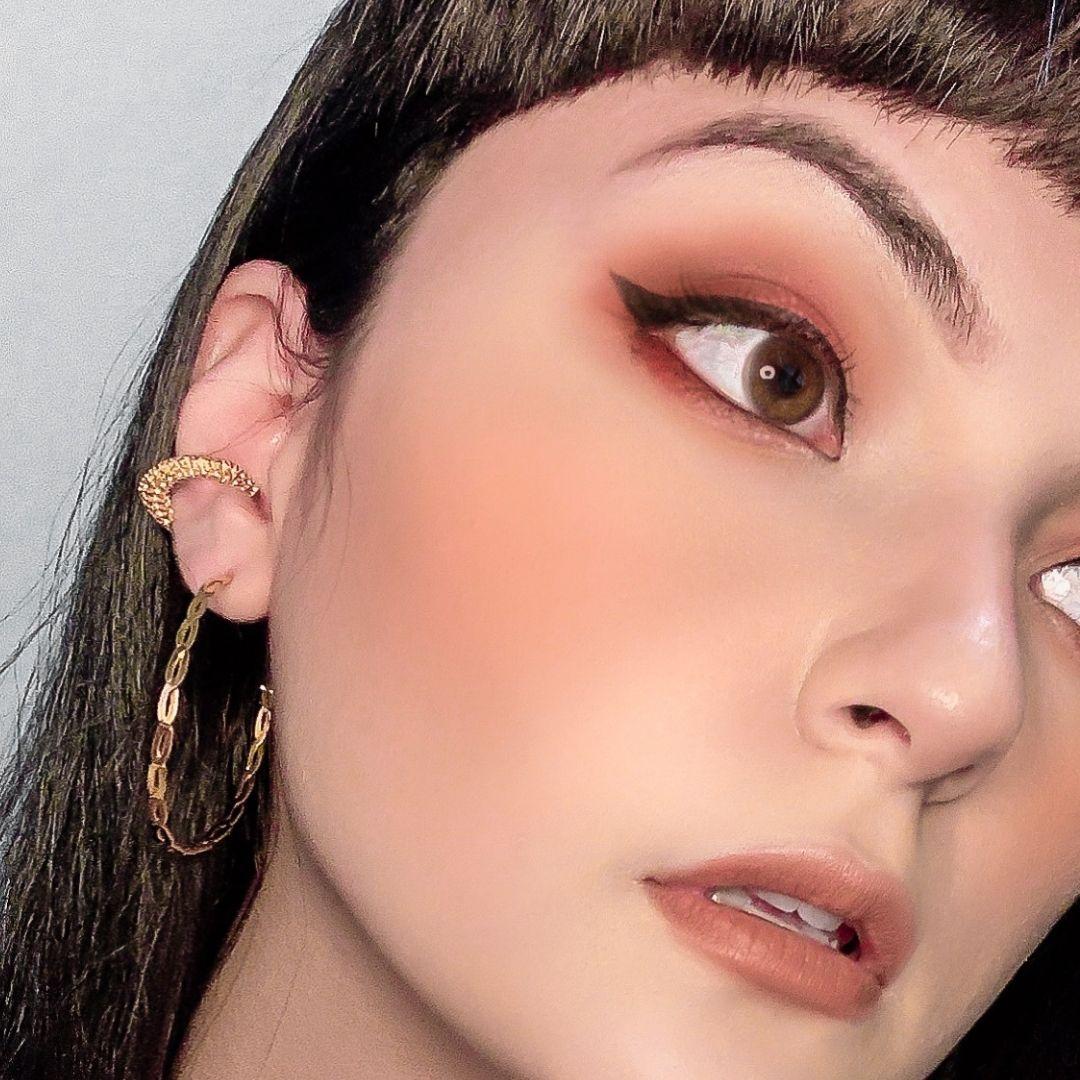 Piercing Fake Anita