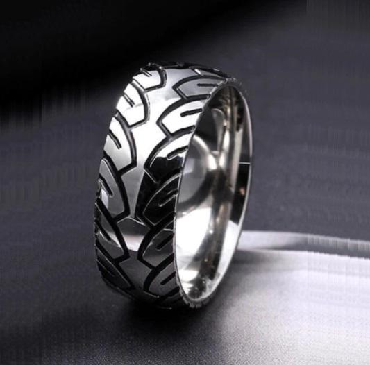 Race Ring