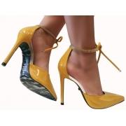 Scarpin verniz amarelo / strass 11cm  Cód.: 1353