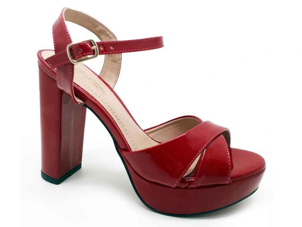 Meia pata verniz vermelha salto 11cm  Cód.: 021