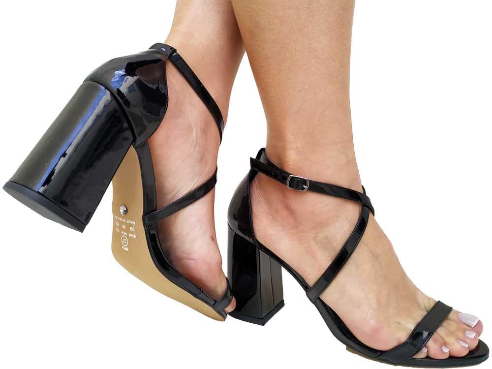 Sandália verniz preto 9cm Cód.546