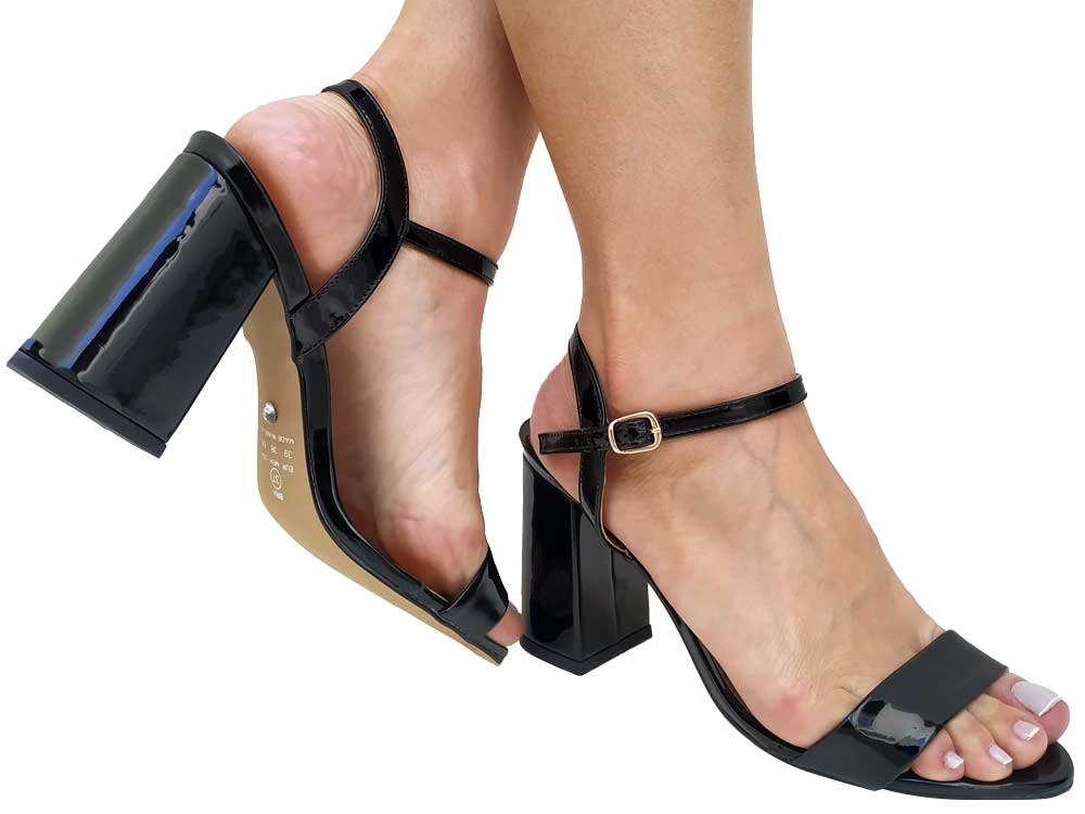 Sandália verniz preto 9cm Cód.550