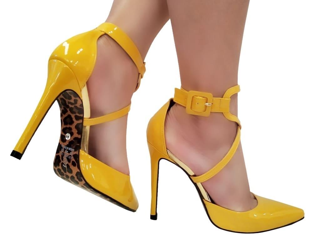 Scarpin verniz amarelo salto 11cm Cód.1078