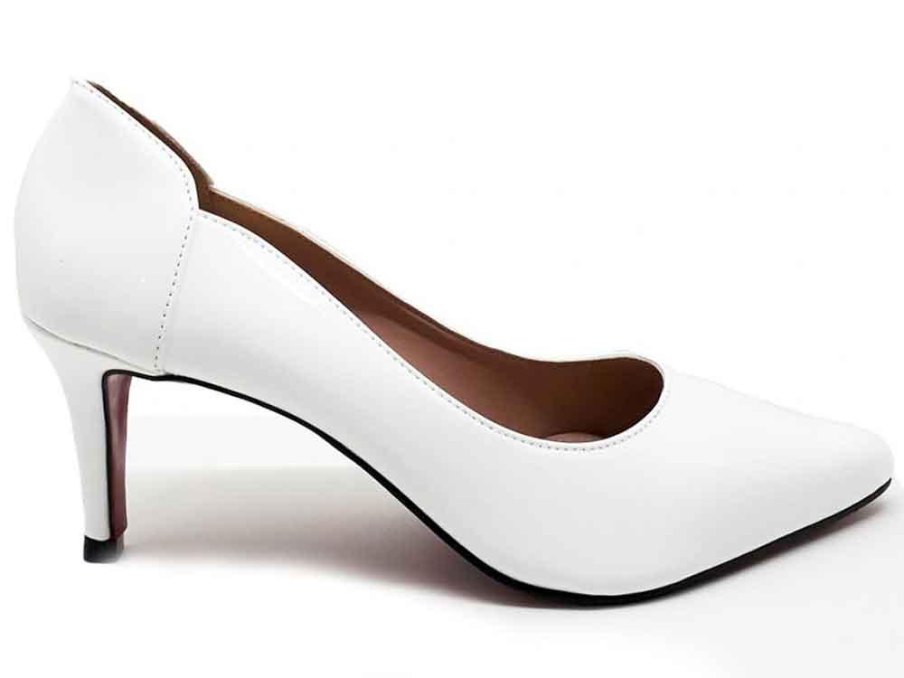 Scarpin verniz branco salto 7cm  Cód.: 112