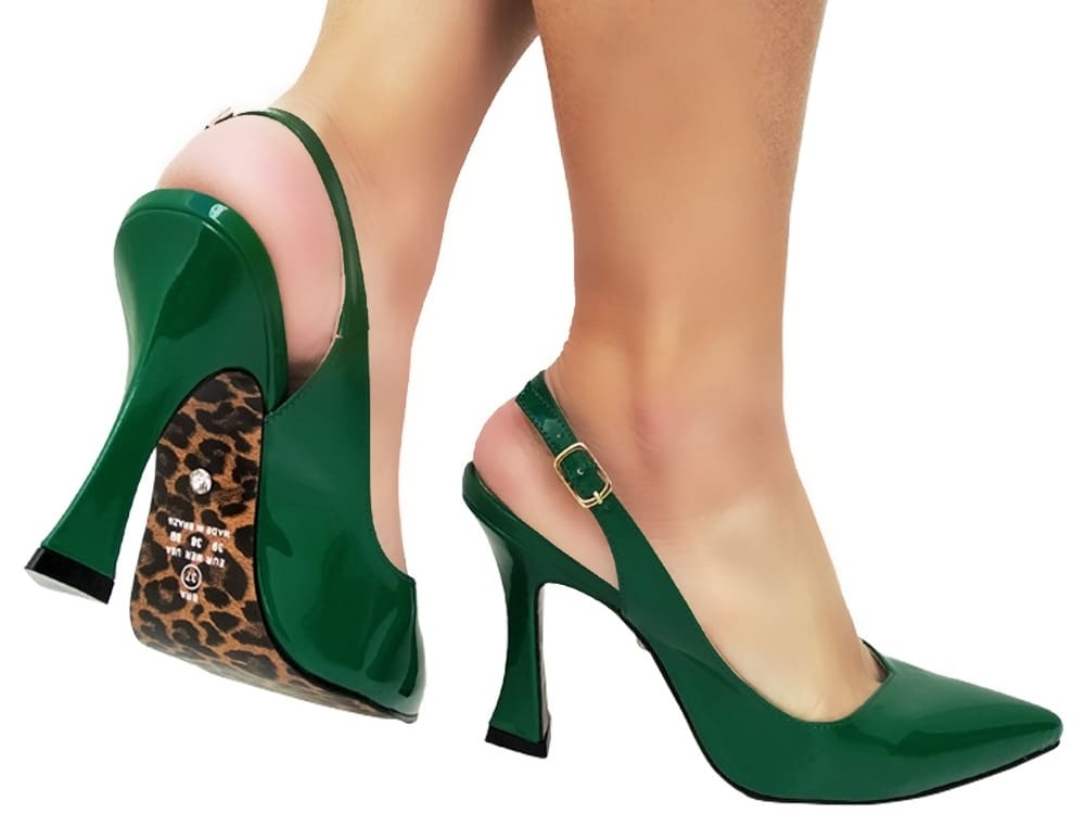 Scarpin verniz verde salto 9cm Cód.: 932