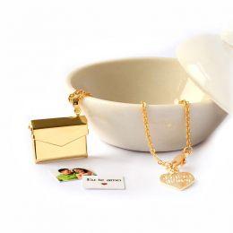 Colar com Pingente Relicario Envelope Folheado a Ouro