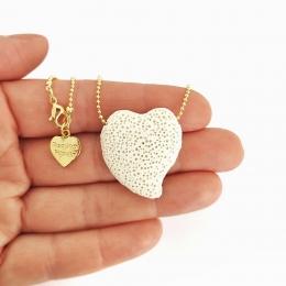 Colar Difusor para Aromaterapia Pedra Vulcanica Coração Dourado