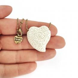 Colar Difusor para Aromaterapia Pedra Vulcanica Coração Ouro Velho