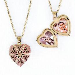 Relicário Coração Esmaltado Pequeno Ouro Velho Rosa