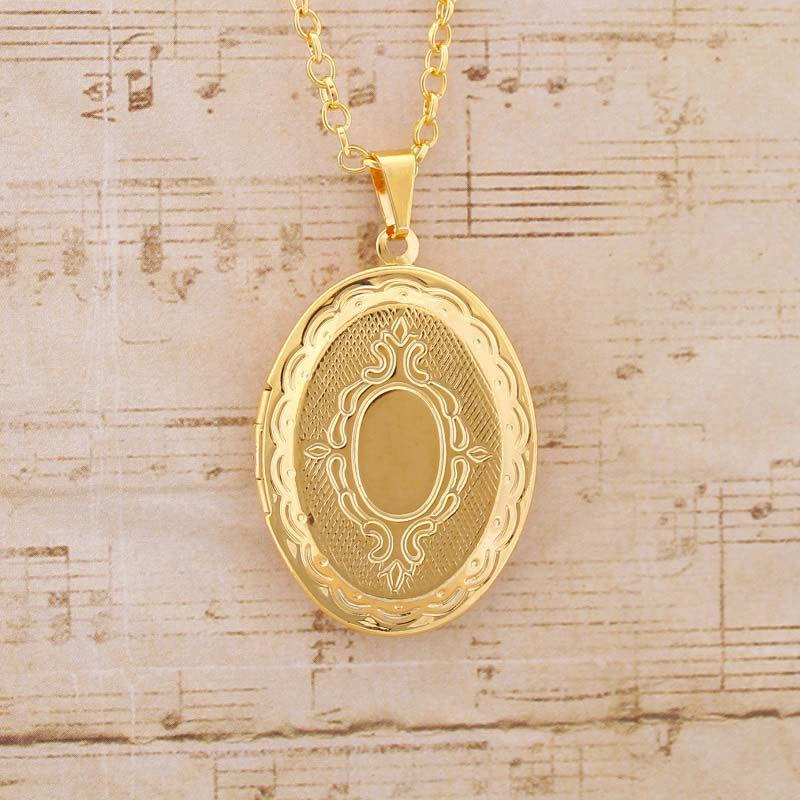 Colar com Pingente Oval Relicário Folheado a Ouro Médio