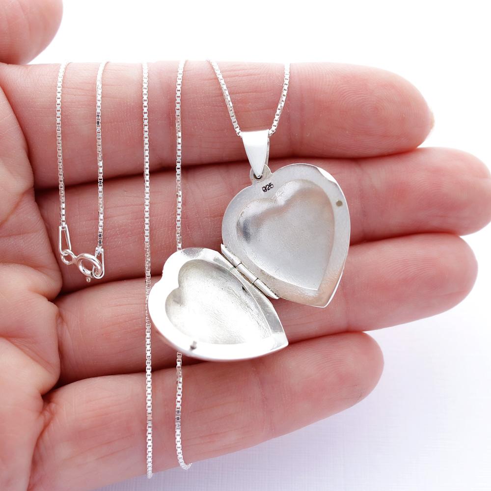 Colar com Pingente Relicário Coração Prata 925 Liso