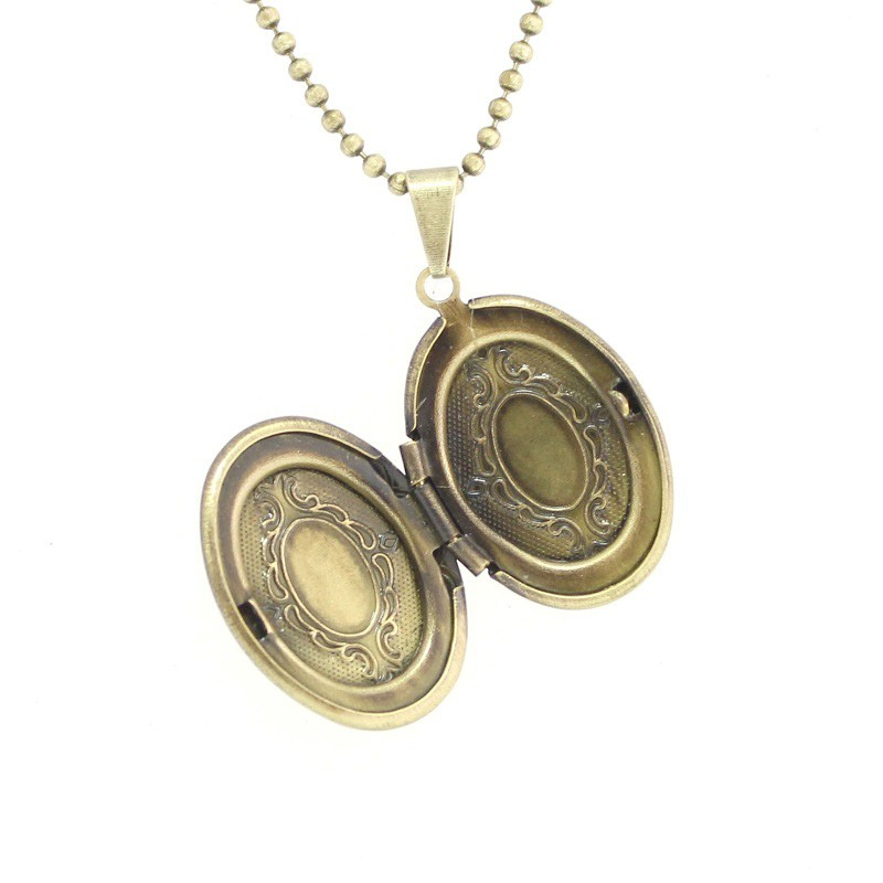 Colar com pingente relicário Oval Pequeno Ouro Velho