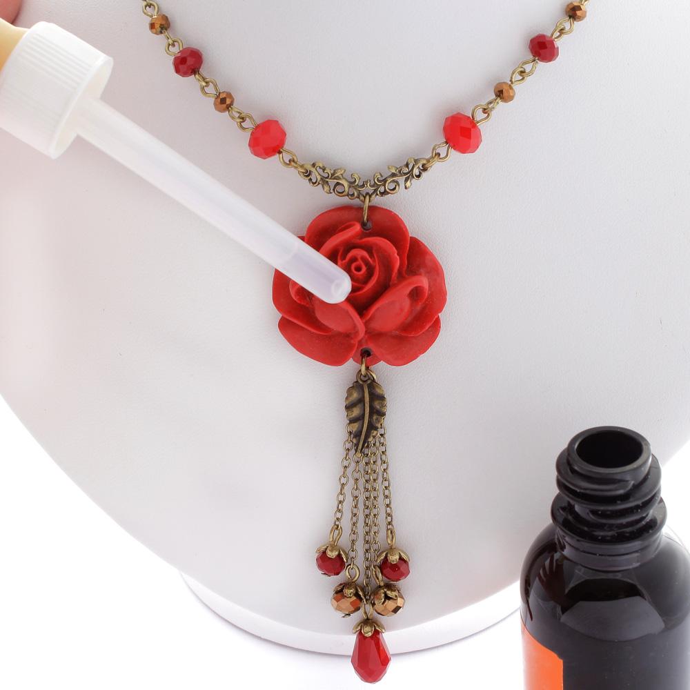 Colar com Rosa Vermelha Média e Cristal para Aromaterapia