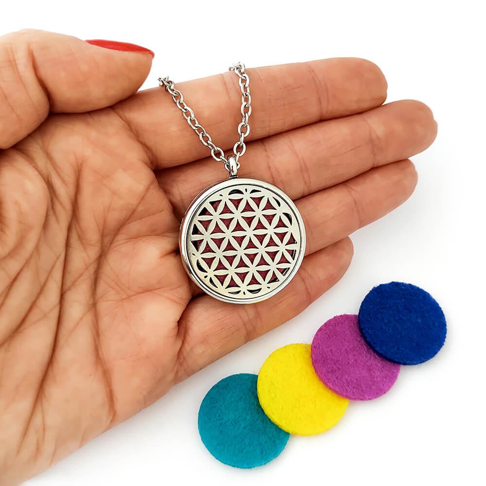 Colar Difusor em Aço Inox Flor da Vida para Aromaterapia