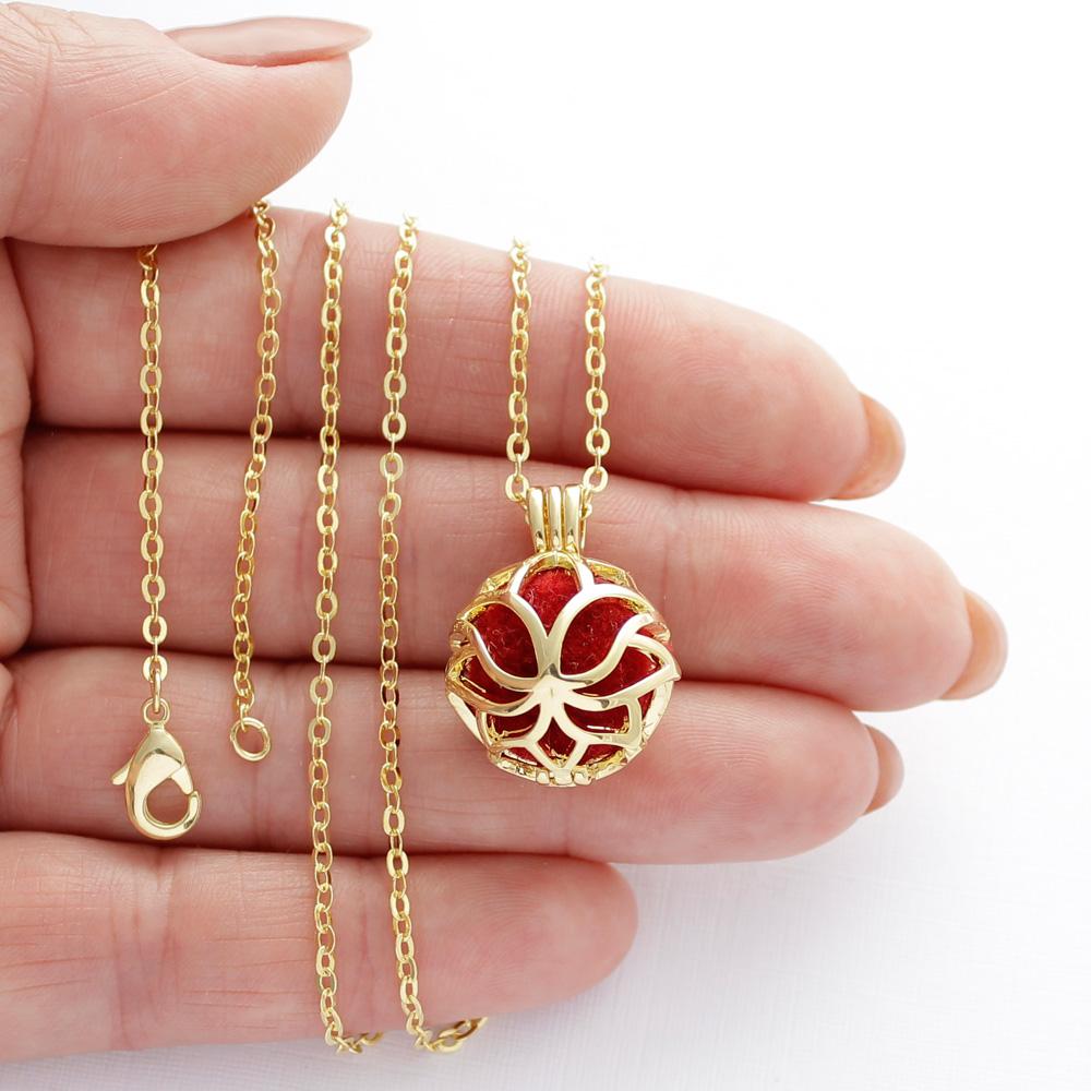 Colar Difusor para Aromaterapia Flor de Lis Dourado