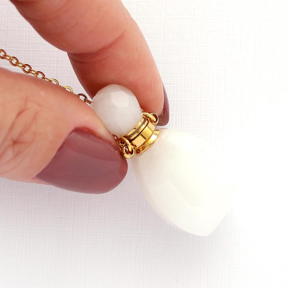 Colar Perfumeiro Difusor Pedra Quartzo Branco Pequeno