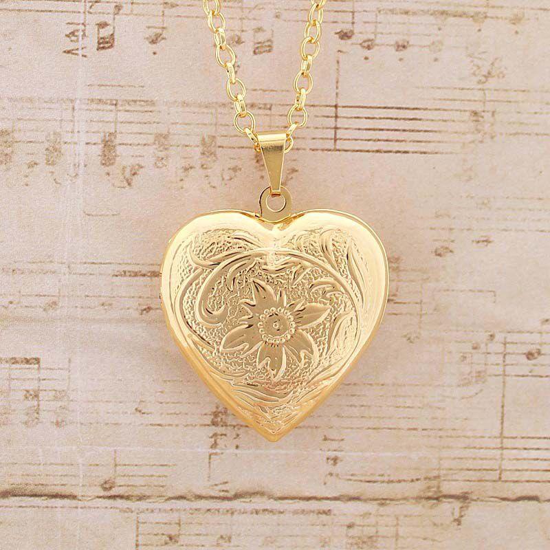 Colar Relicário Coração Com Flor Folheado a Ouro Médio