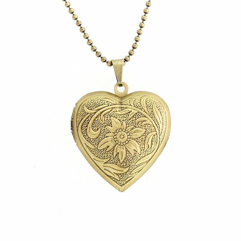 Colar Relicário Coração Com Flor Ouro Velho Médio
