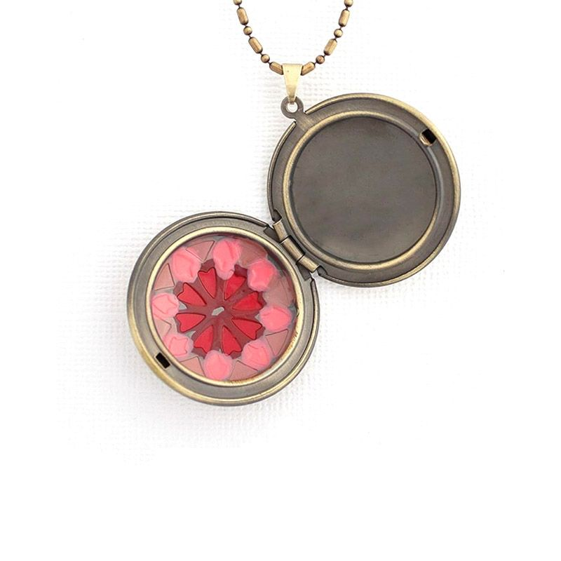 Colar Relicário Flor Esmaltado Ouro Velho Rosa