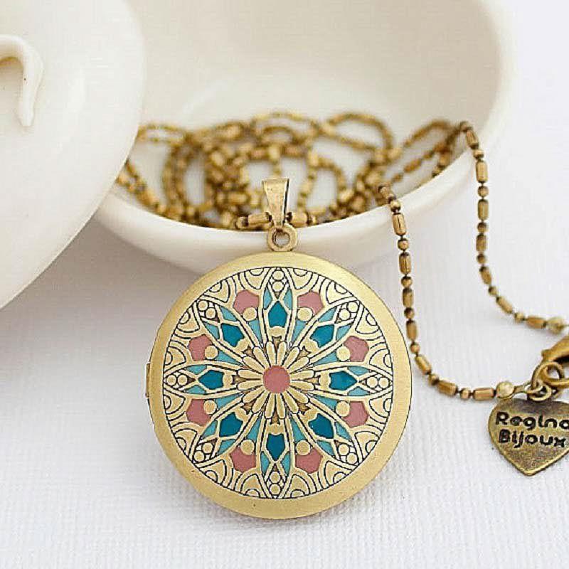 Colar Relicário Mandala Esmaltado Ouro Velho Azul e Rosa